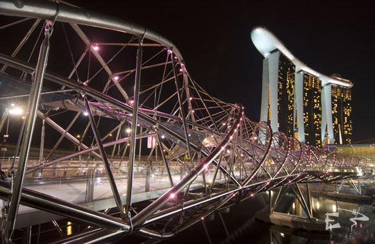 Double Helix Bridge à Marina Bay Sands (Photo issue du blog Petits Globetrotteurs)