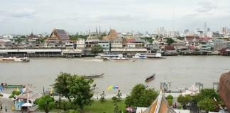 Chao Phraya river vue depuis Wat Arun