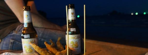 Bière et brochettes sur la plade d'Ao-Nang