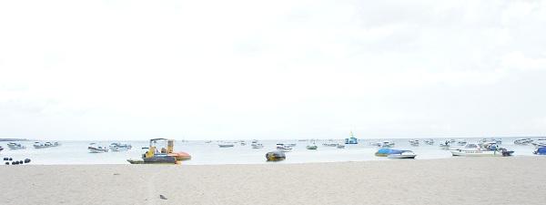 La plage très encombrée de Nusa Dua