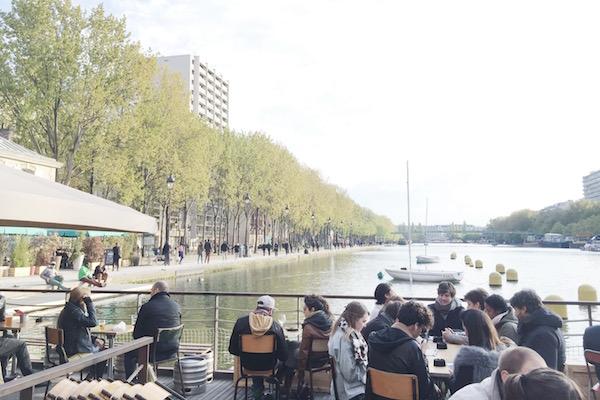 Sur le Quai de la Loire à Paris