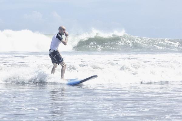 Faire du surf à Bali