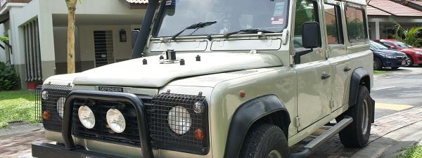 Land Rover Defender, 10 ans d'âge (voir un peu plus...)